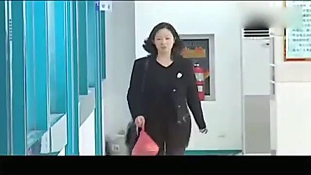 征服:李丽拿着一部手机和三万元钱找到汪素娟,让她交给刘华强