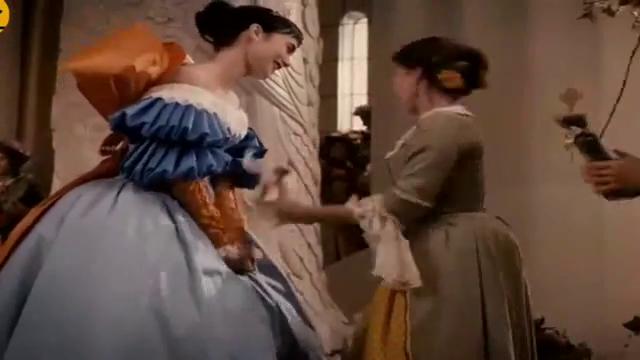 白雪公主大婚,女巫给她一个毒苹果,不料白雪公主给她吃了