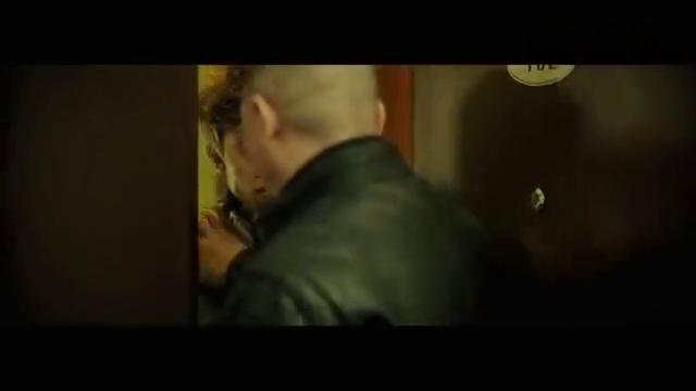 老炮儿:黄发小伙嘴巴不干净,胡说一通,下一秒六爷教你做人!
