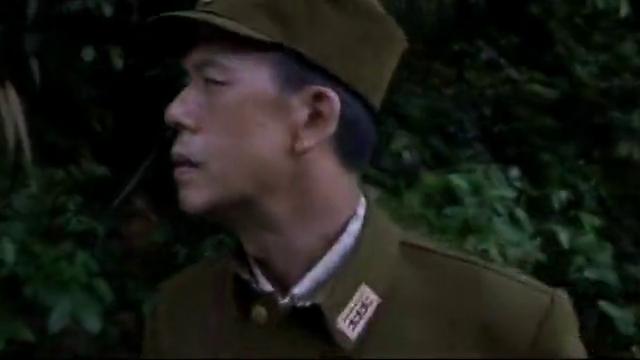 发现用树枝做的路标,王老赖直接把路标破坏,日军丧失方向