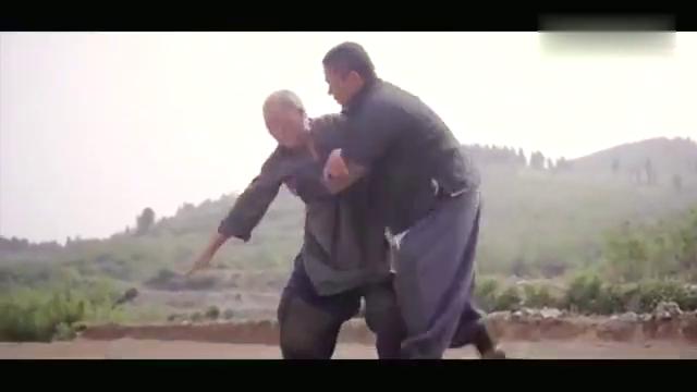 老农民:牛三鞭让儿子背着来枣树前面,原来这是祖坟,不能动!