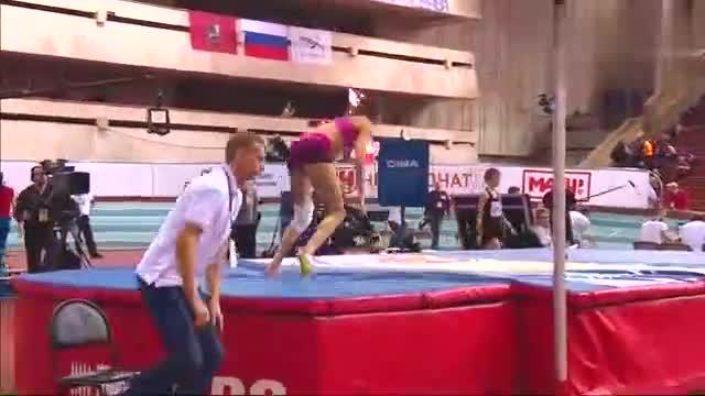 欧美女子跳高比赛,看了好多遍终于看懂她为什么失败了,建议收藏
