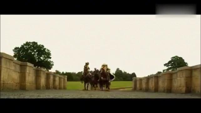 巨人族围攻人族城堡,遭到巨型连弩疯狂射击,精彩!