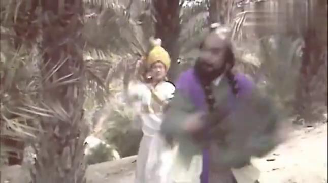 西游记:孙悟空猪八戒沙僧分别收了徒弟,教他们练舞不亦乐乎