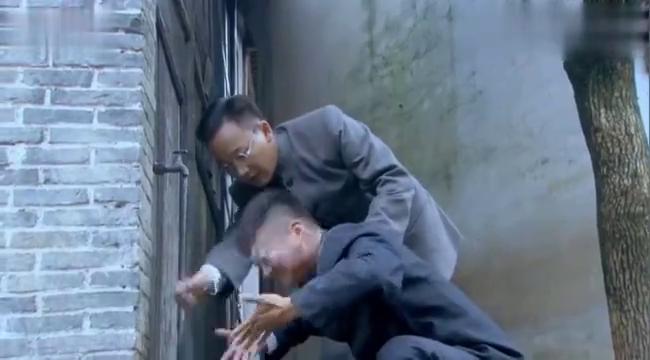 狐影:雷震与日本女间谍交手, 怎想日本女间谍,对自己做这种事