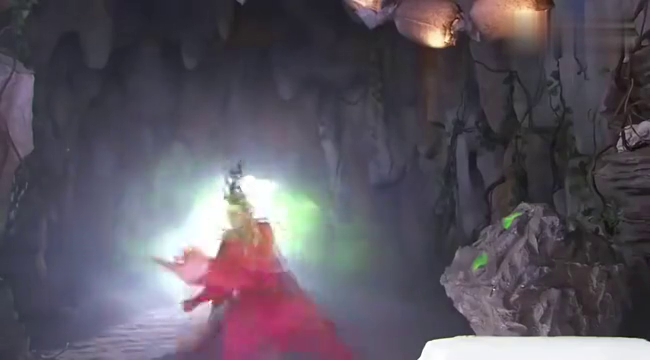 活佛济公绿姬的移魂大法小成,差点把章小蕙的魂魄拎出来!