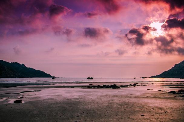 中国最美的4个沙滩,北海银滩第3,第1堪称国内最美的沙滩