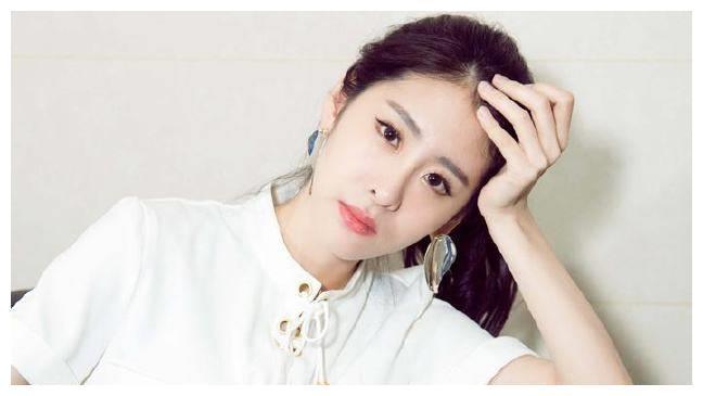 唱得好不如嫁得好:张碧晨好声音中赢了她,在生活中彻底败给她?