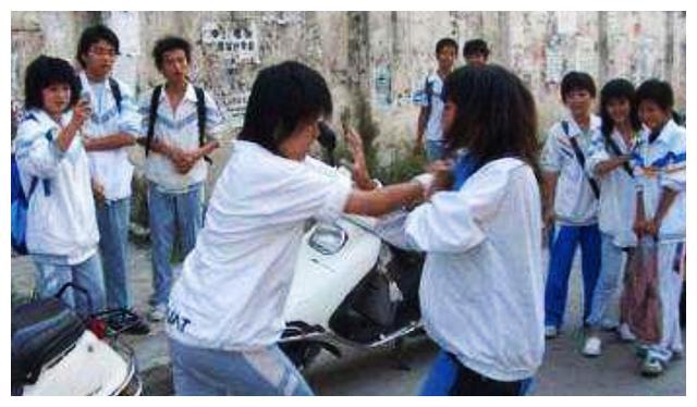 让孩子学武术不是让他打架,是让他在受霸凌的时候有反击的能力