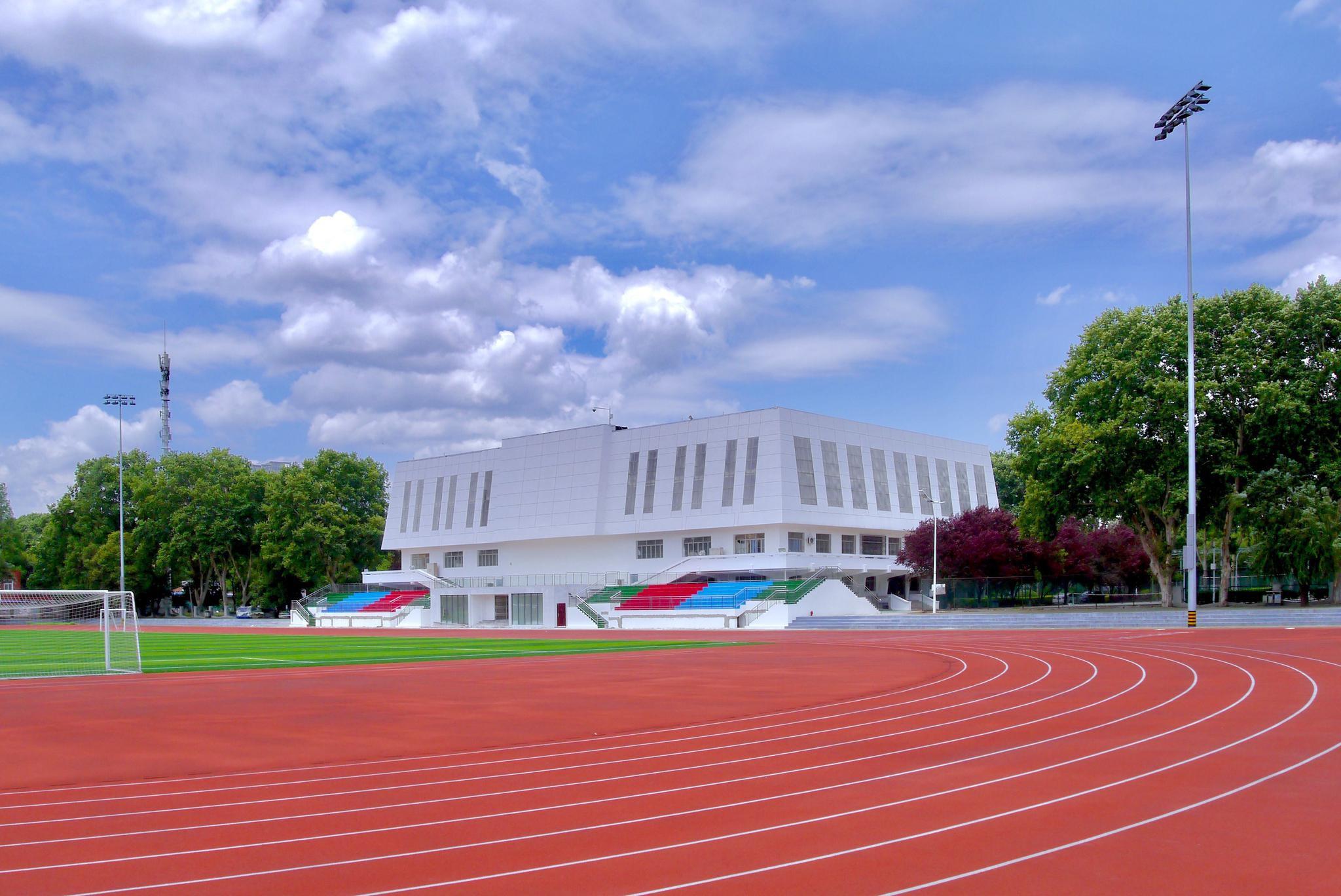 田径运动场(湖北工业大学)