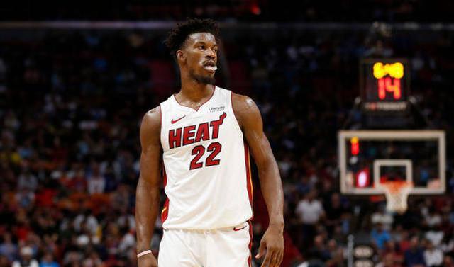 NBA总决赛迎来第5场比赛比赛,首节比赛就火药味十足,巴特勒与霍华德羁绊在一起