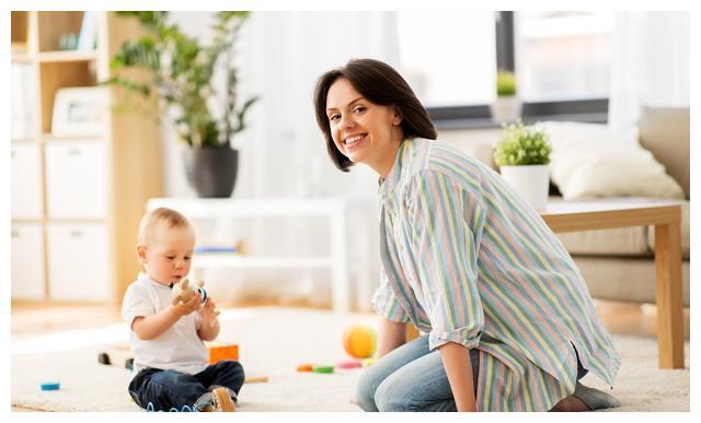 在养育宝宝日常生活中宝妈妈需要怎样自我教育?