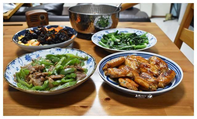 两口子的情人节午餐不马虎,4菜1汤满满仪式感,把日子过得有情调