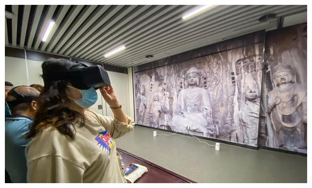 """5G+博物馆""亮相河南 高科技让文物""活""起来"