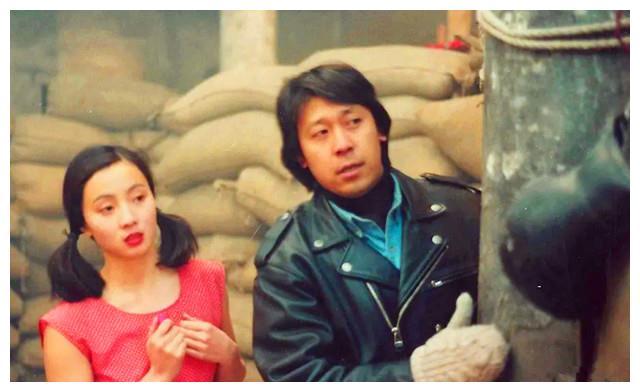 21年前这部剧,陶虹分饰双胞胎姐妹,妹妹毁容后男主爱上了姐姐