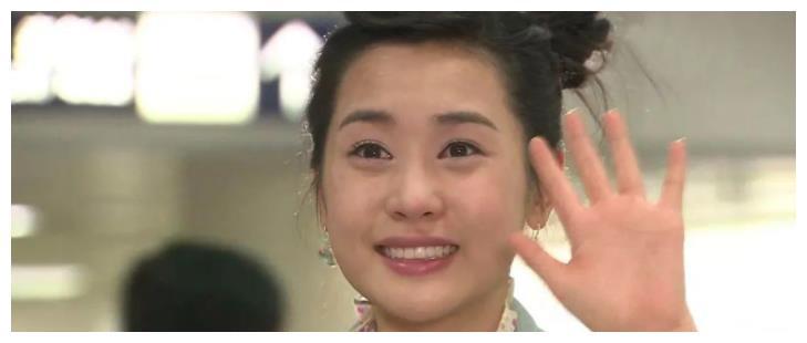 """李易峰唯一公开的女友,沉迷于""""变脸""""20年,感情经历令人咋舌"""