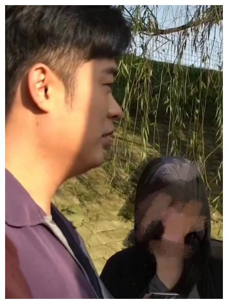 35岁陈赫暴瘦20斤,脸只有贾玲一半大,惹沈腾惊呼:这么瘦成这样