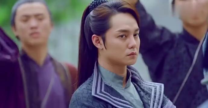 极品家丁:陈赫以为妹子夸他帅,还撩头发,结果尴尬了