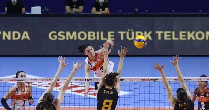 2020-2021土耳其女排联赛第11轮,加拉塔萨雷3-2伊萨奇巴希