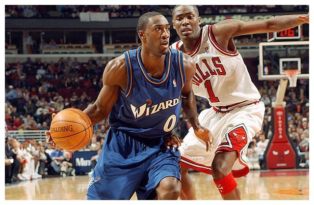 NBA球星们大都追求个性,在球衣号码选择上也不走寻常