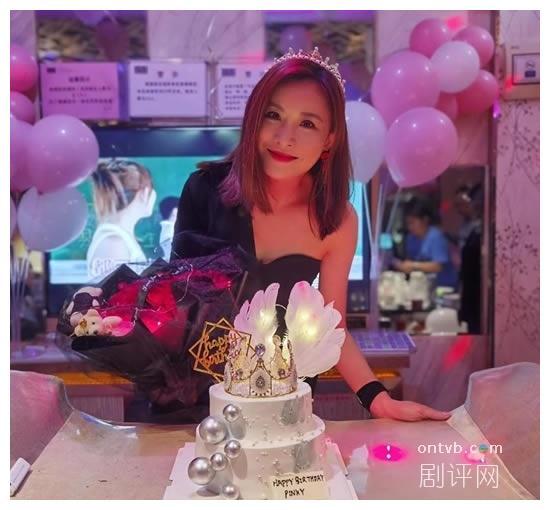 张文慈49岁生日美魔女现身 《我和殭尸有个约会》旧拍档拍片祝贺
