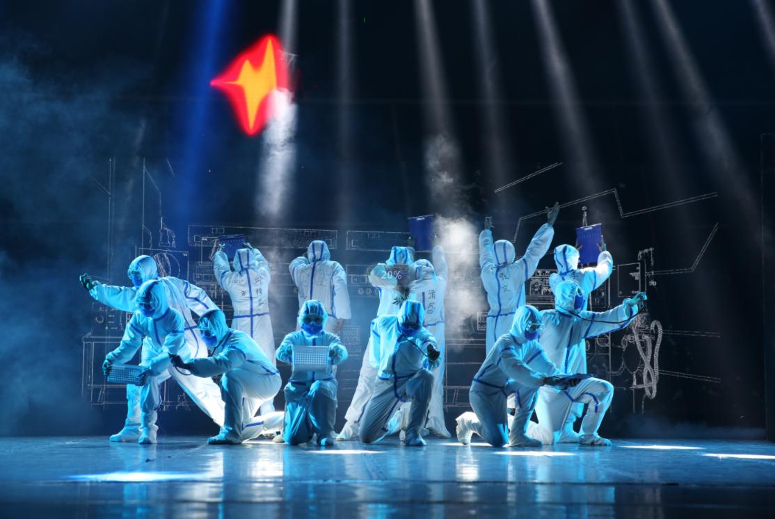 以爱之名抗击疫情 云南省花灯剧院原创音乐剧《五月的鲜花》暖心上演