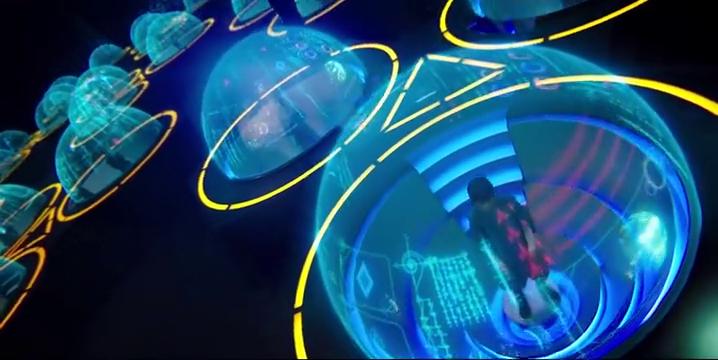 星舰大副冒着基因逆组的危险,离开反物质室,拉响外星入侵警报