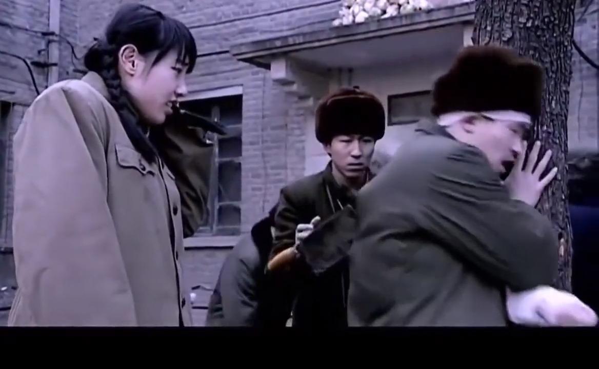 与青春:汪若海被群殴,许逊拿菜刀就上,刘庄主刀中后背生死不明