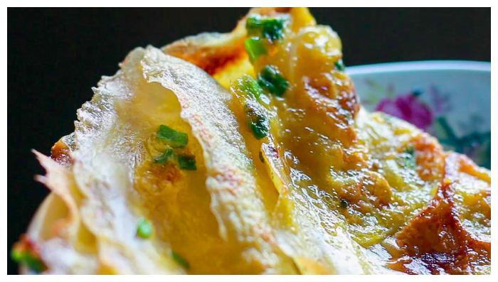 1碗面粉3个鸡蛋,10分钟搞定全家人早餐,又香又脆吃得开心