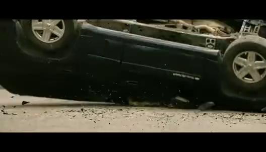 遭到卡车的突然袭击 狙击手淡定对付武装分子 从容不迫