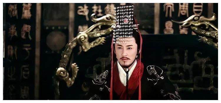 汉武帝嫌弃胡人进贡的动物,吩咐大臣去喂虎,不料老虎却趴地不起