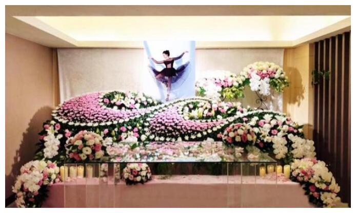 女星刘真去世,4岁女儿不知道妈妈已经永远离开,以为妈妈去旅游