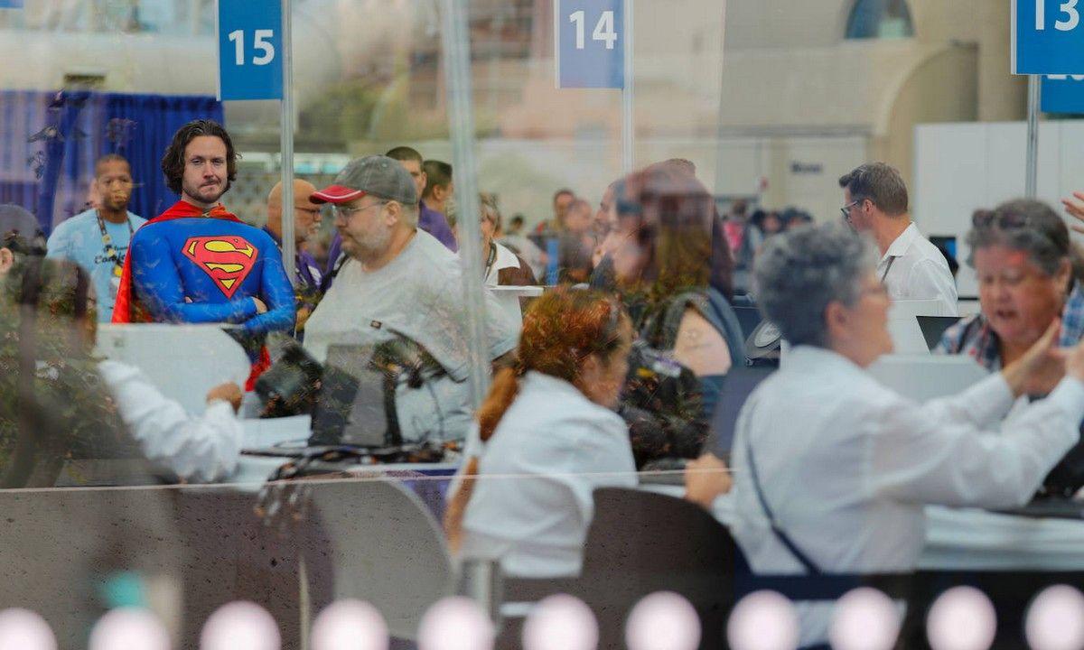 动漫界的大事:2019美国圣地亚哥国际动漫展盛大开幕,人潮涌动