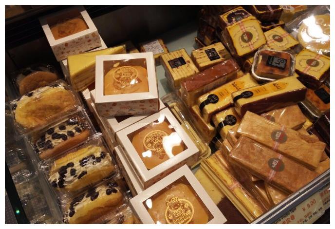 买面包,尽量别买这5种,价格贵没营养,面包店老板:外行人爱吃