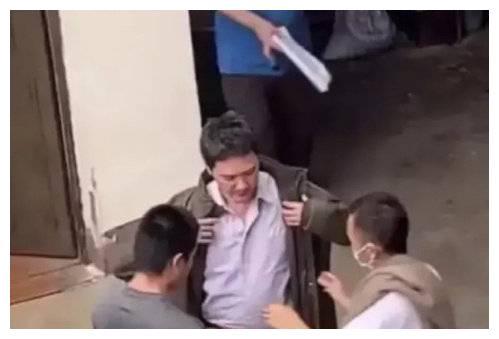 冯绍峰回应发福,晒健身照证明瘦身成功,被网友吐槽是摆拍