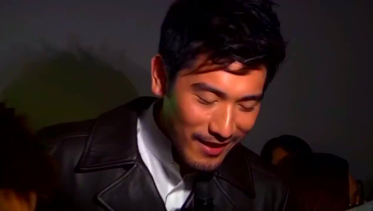 2013年高高和张静初出席Bally活动,表示无催婚压力,工作是重点