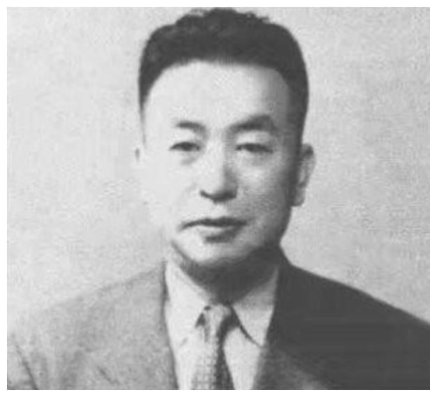 他是日军身边的红人,台儿庄大捷的功臣,戴笠因他丢掉性命