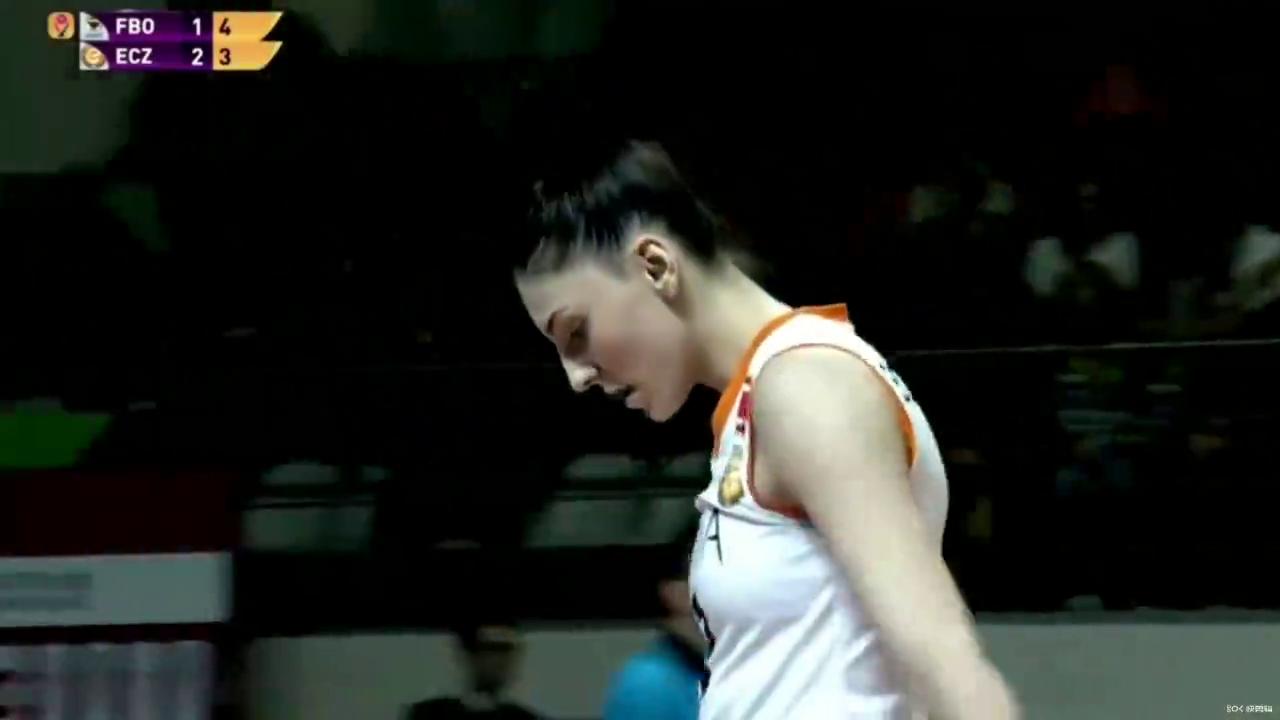 博斯科维奇进攻集锦,土耳其女排联赛对阵费内巴切女排