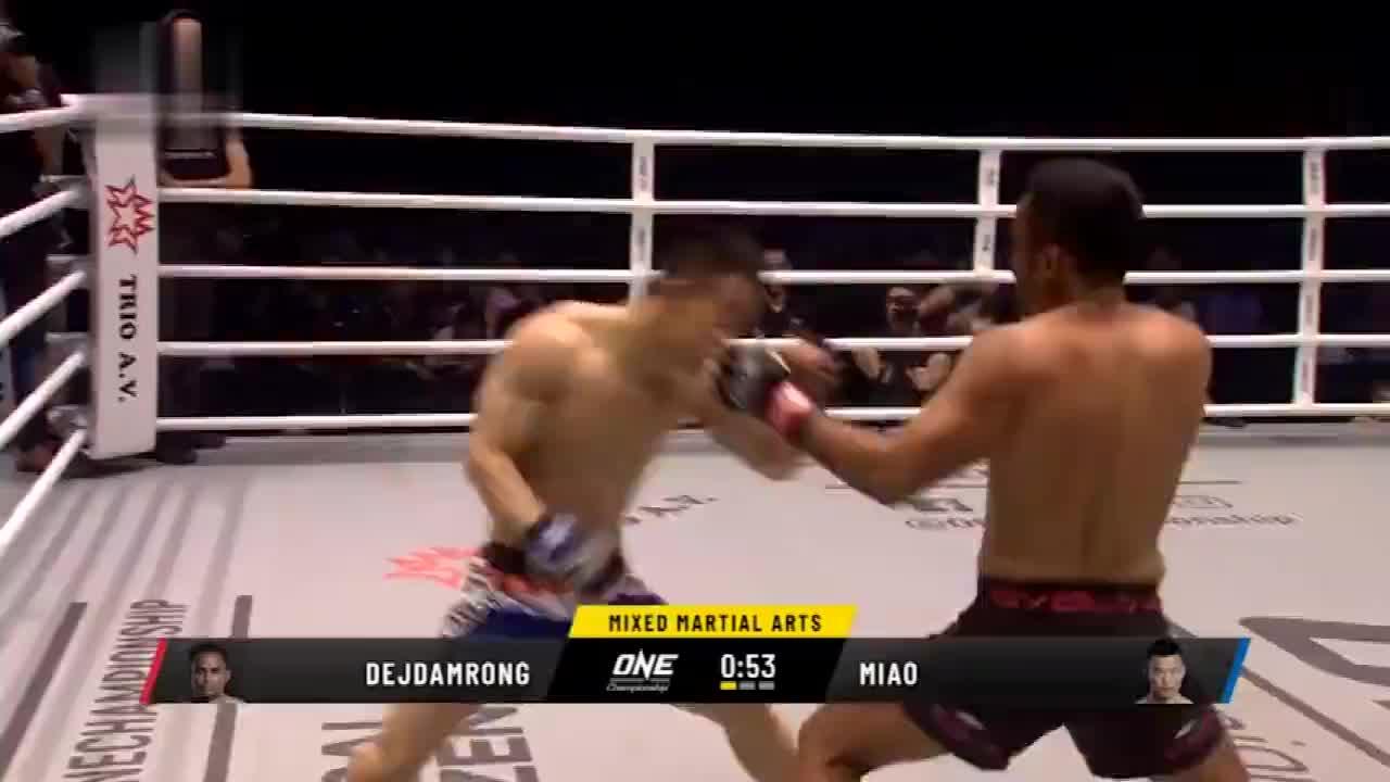 时隔一年半重返赛场!中国悍将苗利涛只用一拳便KO传奇泰拳王!