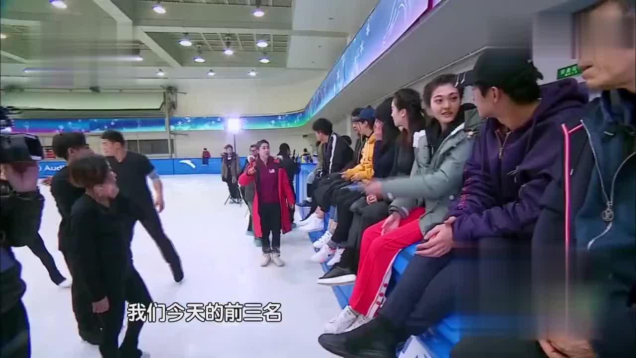 林更新被喊哥哥害羞,向国家队选手展示动作