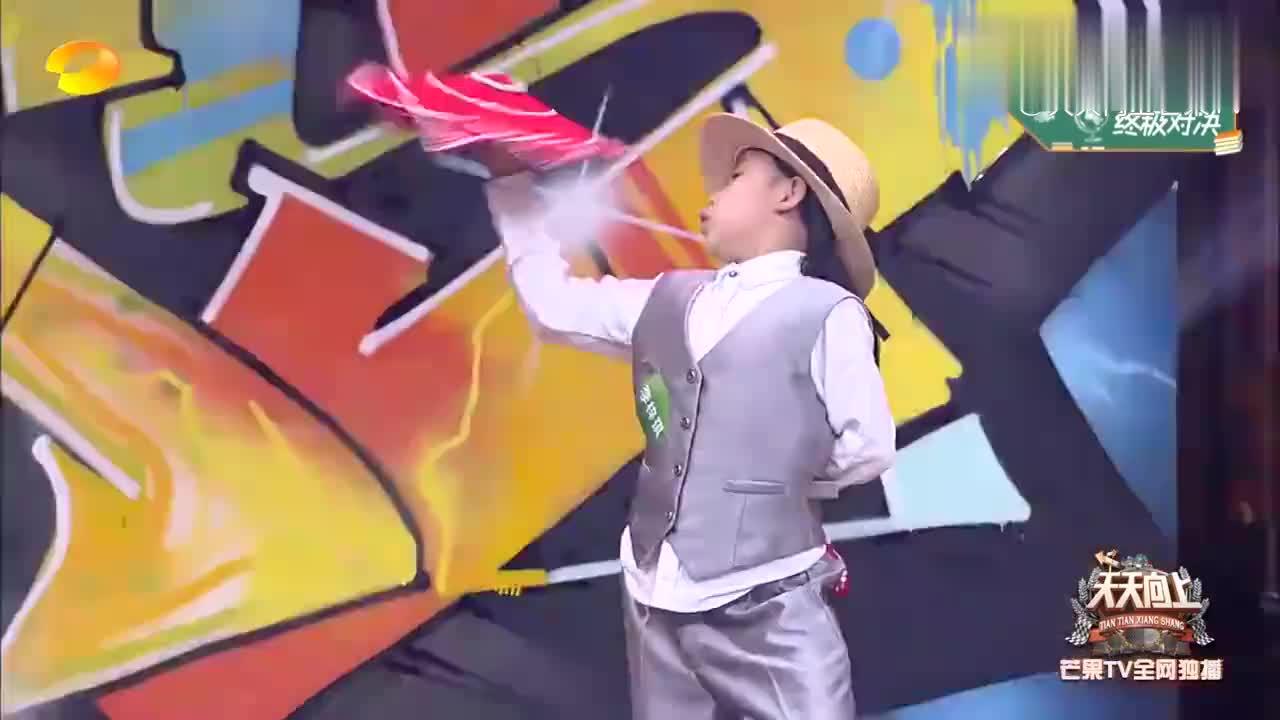 天才舞童跳中式与现代结合舞,小小年龄不可小觑,王一博:有潜力
