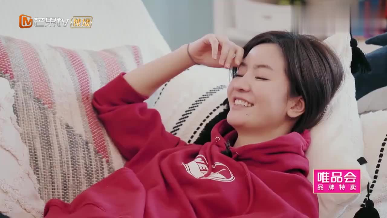 婆婆和妈妈:李晟:如果我的脚臭你还会爱我吗?李佳航回答贼逗!