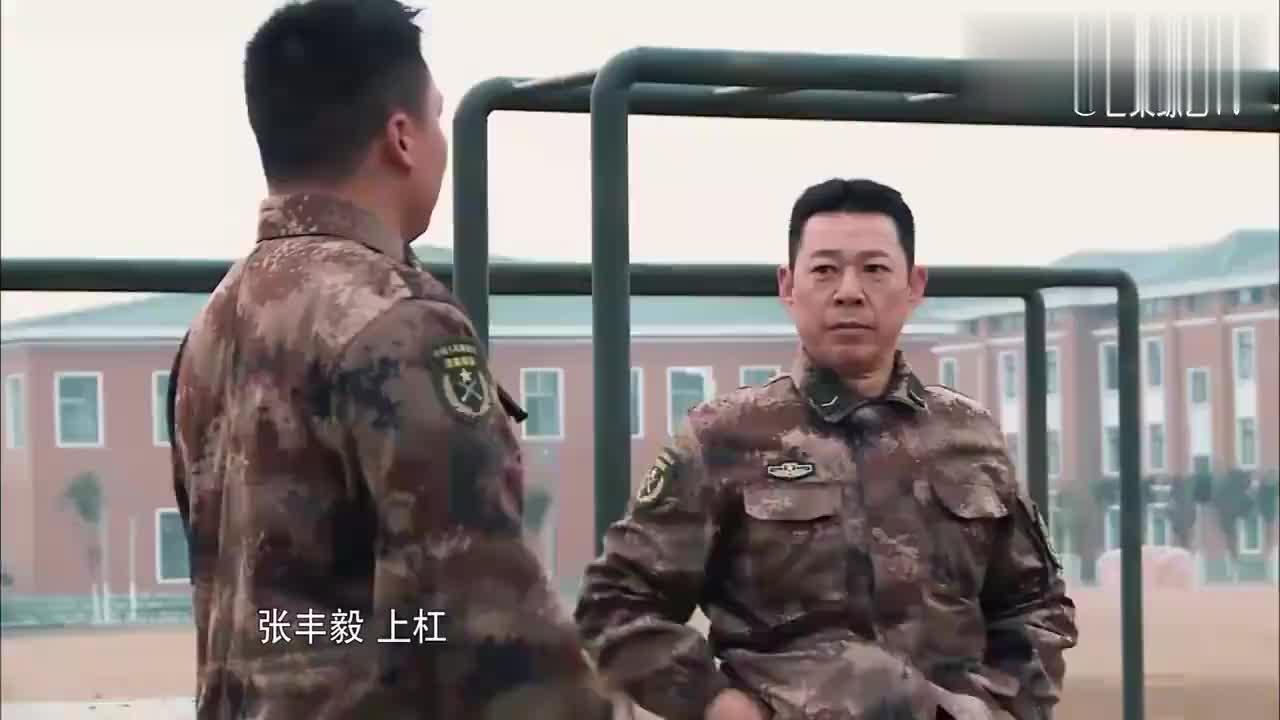 真正男子汉:杜海涛玩双杠,张丰毅一看不对劲,大喊:杠要断了!