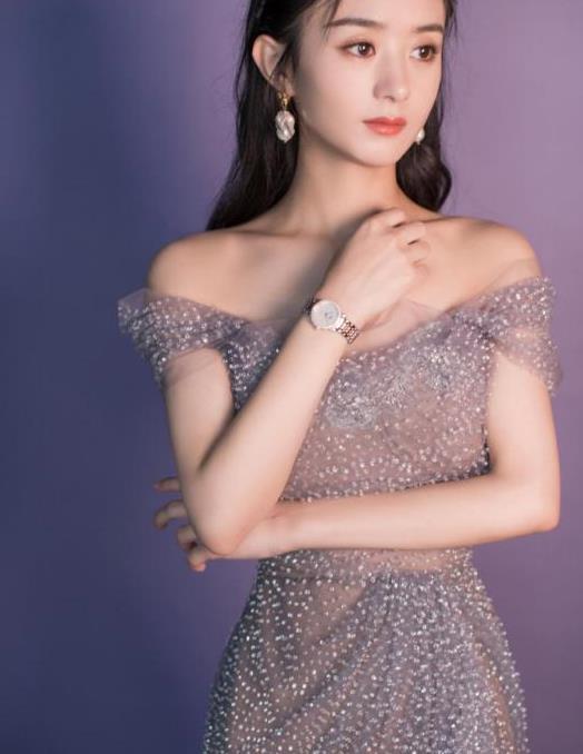 """赵丽颖也太瘦了,身穿渐变紫礼裙秀出""""撩人""""曲线,真让人心动"""