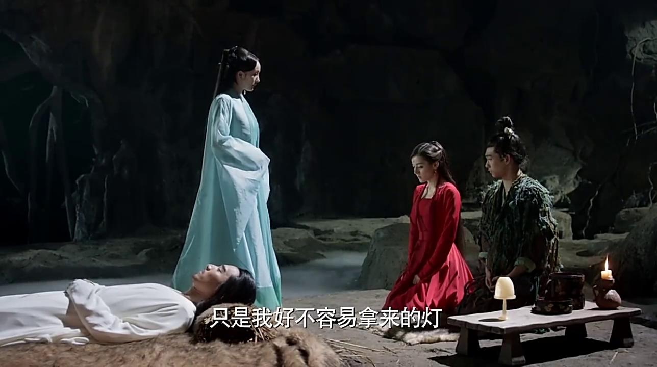 凤九执意要用结魄灯唤醒墨渊的元神,白浅却强硬的不同意!