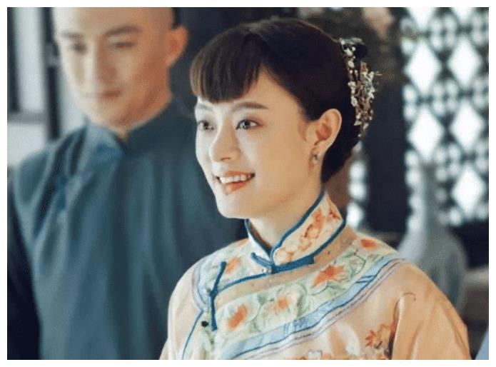 """孙俪的亚洲蹲韩雪的女王蹲,都败给了万茜的""""顺便蹲"""""""