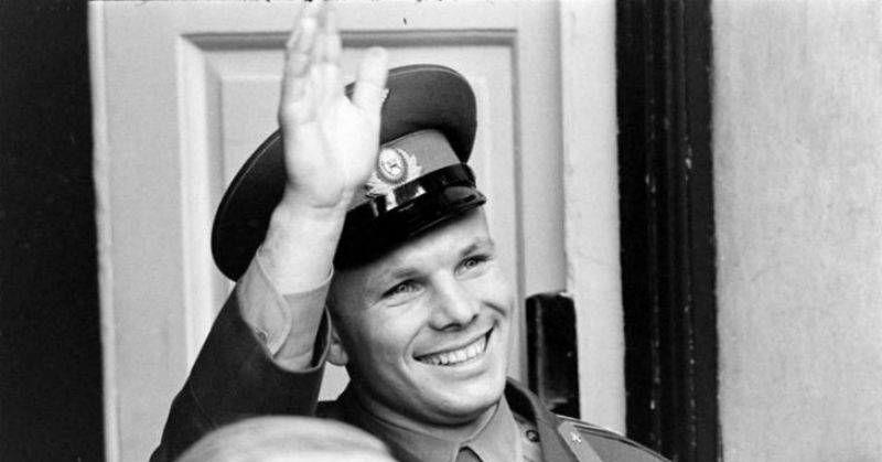 历史上首位太空人,加加林获得过哪些荣誉?访问27个国家
