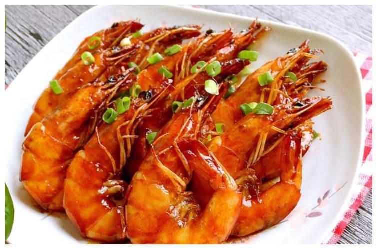 做油焖大虾,上色别用番茄酱!多做1步,大虾油润红亮,更嫩更鲜
