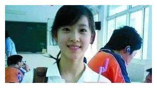 章泽天老公是刘强东,可你们不知道她父亲是谁,拥有多重身份