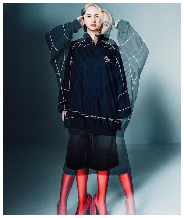 杨丞琳时尚大片曝光 黑皮衣搭配上挑眼线个性十足